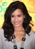 http://img226.imagevenue.com/loc212/th_79662_Demi_Lovato_Disney__ABC_Television_Group_Summer_Press_Junket_005_122_212lo.jpg