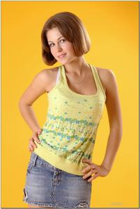 http://img226.imagevenue.com/loc392/th_727922646_tduid300163_sandrinya_model_denimmini_teenmodeling_tv_120_122_392lo.jpg