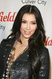 Kim Kardashian (Ким Кардашьян) - Страница 4 Th_40961_kim_kardashian_tikipeter_celebritycity_005_123_438lo