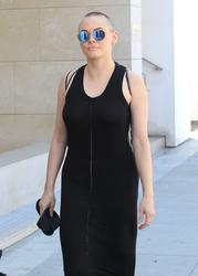 http://img226.imagevenue.com/loc498/th_970843613_rose_mcgowan_see_thru_and_pokies_while_out_and_about_in_beverly_hills_08_123_498lo.jpg